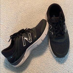 New Balance 711 Cush Black and Navy Sneakers